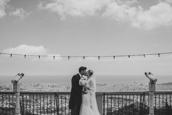fotos boda en Església Sagrat Cor de Jesús del Tibidabo + Hotel Miramar